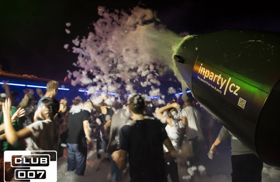 Pěnová párty (Foam party) 21