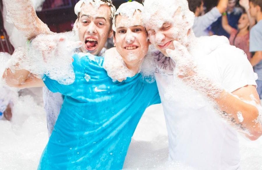 Pěnová párty (Foam party) 12