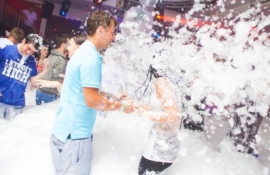 Pěnová párty (Foam party) 16
