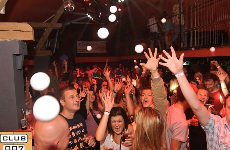Koulovaná (Snowball party) 6