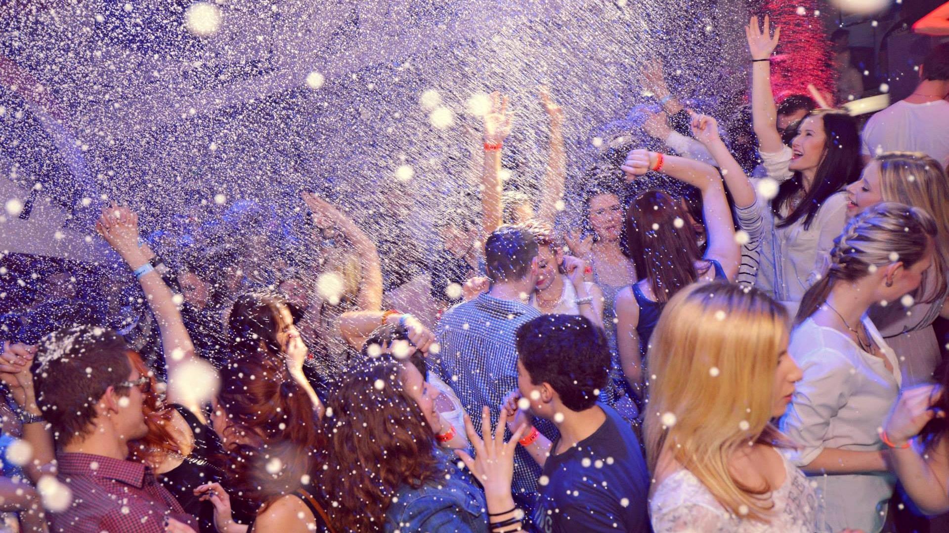 Sněhová párty
